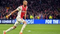 Liverpool santer disebut berada di baris terdepan untuk mendapatkan tanda tangan winger Ajax Amsterdam, Hakim Ziyech. (AFP/EMMANUEL DUNAND)
