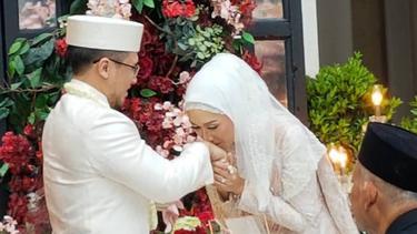 [Fimela] Dian Pelangi dan Sandy Nasution