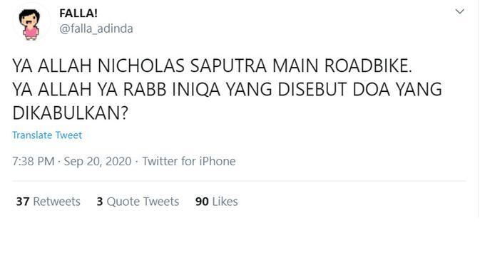Kicauan @falla_adinda, dokter dan influencer yang mengunggah Nicholas Saputra bersepeda roadbike.