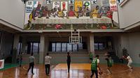 Lapangan basket standar FIBA d The Bucketlist. (Liputan6.com/Dinny Mutiah)