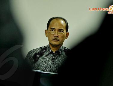 [FOTO] Sidang Lanjutan Budi Mulya Hadirkan Deputi Gubernur BI