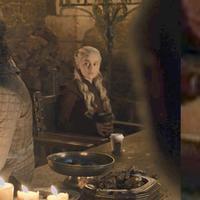 4 Meme Benda Mirip Cangkir Kopi di Episode 4 Game of Thrones Ini Kocak Banget (sumber: twitter.com/deep8979)