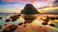 Pantai Pulau Merah (sumber: xplorea)
