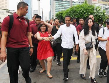 Setelah Makan Siang di Mal, Jokowi Pulang Naik MRT