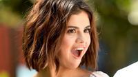 Justin Bieber kini sudah bertunangan dengan Hailey Baldwin. Namun sepertinya hal itu tak berpengaruh pada Selena Gomez. (gettyimages-Cosmopolitan)
