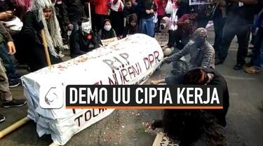 dukun demo