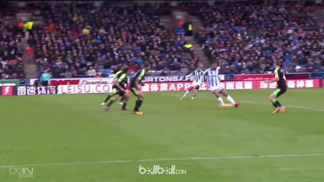 Huddersfield keluar dari zona degradasi sehabis menghabisi Bournemouth 4-1 dalam lanjutan Liga Inggris, Minggu (11/2). Alex Pritch...