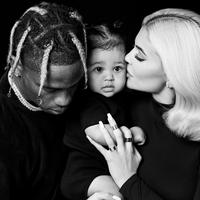 Potret keluarga kecil Kylie Jenner dan Travis Scott. (Instagram/kyliejenner)