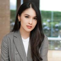 Potret jadul Sandra Dewi yang sudah cantik sedari dulu. (Sumber: Instagram/@sandradewi88)