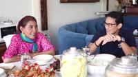 Sandiaga Uno berbincang santai dengan mantan Menteri Kelautan Susi Pudjiastuti (Istimewa)
