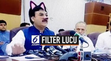 Mungkin kejadian ini adalah kejadian yang tak akan dilupakan oleh masyarakat Pakistan. Hal ini karena terjadi sebuah kejadian lucu saat mereka melihat rapat pemerintahan melalui via Facebook live. Para politisi tak sengaja menggunakan filter kucing s...