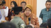 Wali Kota Surabaya Tri Rismaharini (Risma) meminta anak-anak yang terindikasi tawuran untuk tidak lagi membuat geng. (Foto:Liputan6.com/Dian Kurniawan)