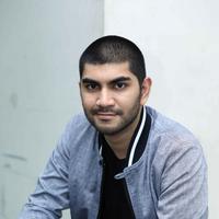 Sebuah mini seri horor bakal tayang secara online dalam video.com. Gandhi Fernando, selain bermain, juga menjadi penulis skenario dan produser dalam  serial horor School of the Dead. (Nurwahyunan/Bintang.com)