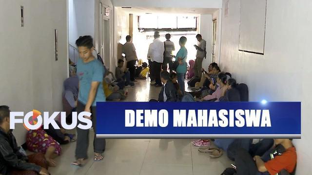 Anak tak kunjung pulang usai demo di Gedung DPR/MPR, sejumlah orang tua datangi Polda Metro Jaya.