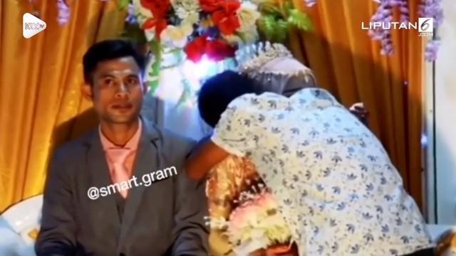 Tepat di hari pernikahannya, pengantin wanita dibuat menangis haru ketika sang mantan kekasih datang mempersembahkan lagu untuknya. Terlebih lagi ketika sang mantan memeluknya.