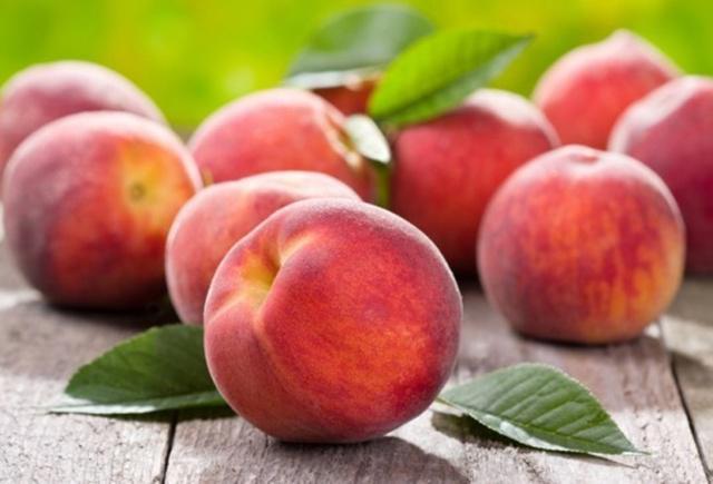 Buah peach cukup mahal dan langka di Kanada, tempat di mana Micah tinggal/copyright inhabitat.com