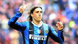 Hernan Crespo - Crespo menghabiskan sebagian besar kariernya pada era 1990-an bersama klub Parma dan memenangi Piala UEFA 1999. (AFP/Paco Serinelli)