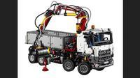 Lego Mercedes-Benz Arocs 3245 (Foto: Worldcarfans).