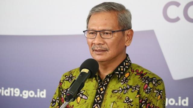 Gemar Membatik, Nyeninya Jubir Covid-19 Achmad Yurianto - News Liputan6.com
