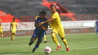 Persiraja Banda Aceh mengalah Sriwijaya FC pada perebutan tempat ketiga Liga 2 2019 di Stadion I Wayan Dipta, Gianyar, Minggu (25/11/2019). (Bola.com/Gatot Sumitro)