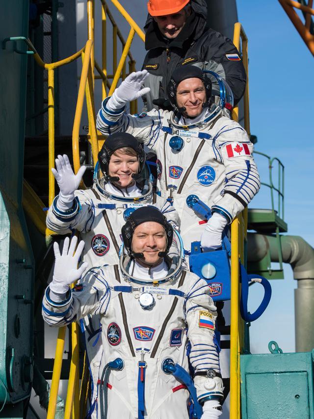 3 Astronot Meluncur ke Stasiun Luar Angkasa Internasional
