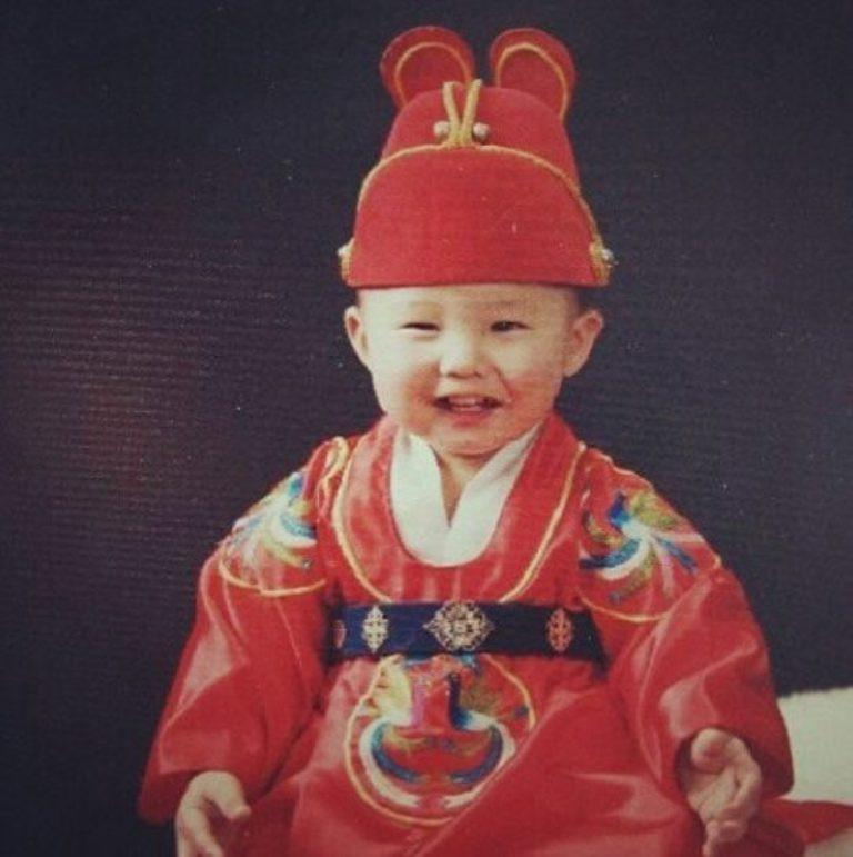 Intip 6 foto menggemaskan para K-Pop leader saat mereka masih kecil. Kira-kira ada oppa idola kamu nggak ya? (Sumber Foto: soompi,com)