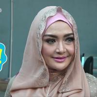 Meskipun Ferry Setiawan masih mendekam di penjara, kini ia resmi bercerai dengan Eddies Adelia.