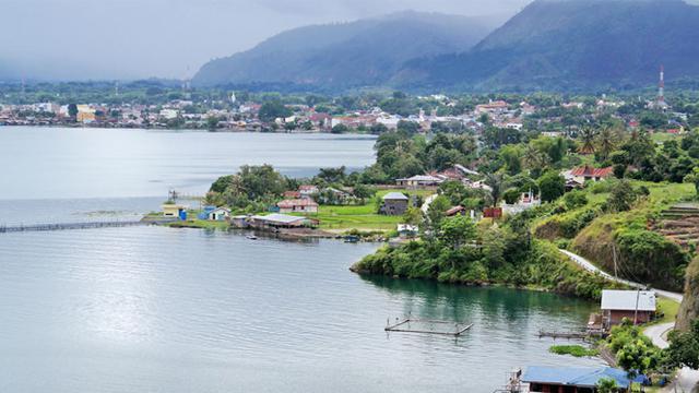 Hasil gambar untuk 4. Danau Toba