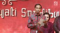Presiden Joko Widodo memberi sambutan saat perayaan ultah pendiri PT Mustika Ratu Tbk, Mooryati Soedibyo di Jakarta, Jumat (5/1). Mooryati Soedibyo menggelar syukuran atas panjang yuswo atau panjang umur ke 90.  (Liputan6.com/Herman Zakharia)