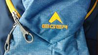 Riset tim produksi Eiger yang dilakukan beberapa tahun lalu menunjukkan, sandal Eiger yang beredar di pasaran 60 persen adalah palsu. (Liputan6.com/ Ahmad Ibo)