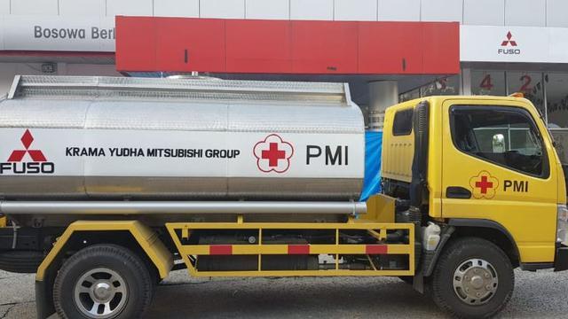 5 Truk Mitsubishi Colt Diesel Membantu Pemulihan Kota Palu