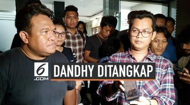 Aktivis Dandhy Laksono diperiksa polisi selama beberapa jam terkait isi unggahannya di Twitter. Ia ditanyai soal motivasi dari isi cuitannya terkait peristiwa kericuhan di Papua.