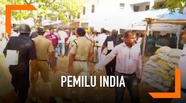 Kericuhan warnai pemilu di Bengal Barat, India. Sejumlah pemilih bentrok di area pemungutan suara hingga harus dipisahkan polisi.