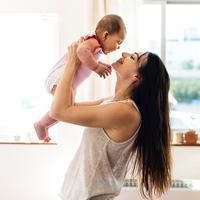 ilustrasi ibu dan anak/copyright rawpixel