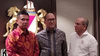 Seremoni Penyerahan Kartu Tanda Anggota (KTA) Kadin Indonesia kepada Pelindo I, di Menara Kadin, Jakarta, Selasa, (18/2/2020).