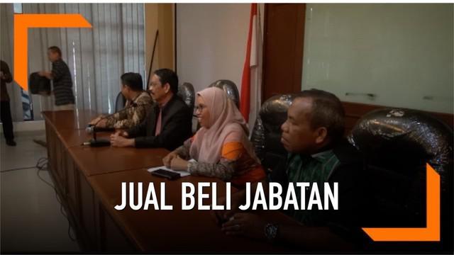 UIN Alauddin Makassar sedang menjadi sorotan setelah mantan ketua Mahkamah Konstitusi Mahfud MD menyatakan ada mahar lima miliar dalam proses pemilihan rektor UIN. Rektor UIN Makassar pun bereaksi atas tudingan ini.