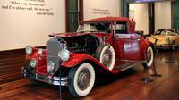 Mobil klasik buatan tahun 1030, Pierce-Arrow dipajang di Audrain Automobile Museum di Newport (13/6). (AP Photo / Michelle R. Smith)