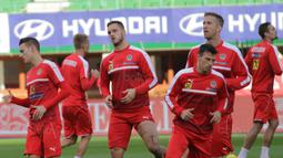 Striker Austria, Marko Arnautovic, bersama rekan-rekannya saat latihan di Stadion Ernst Happel, Wina, Kamis (5/10/2017). Austria akan menghadapi Serbia pada laga kualifikasi Piala Dunia 2018. (Bola.com/Reza Khomaini)