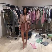 Kim Kardashian dan tren fashion kontroversial (Instagram @kimkardashian)