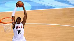 Aksi Kobe Bryant saat memperkuat AS melawan Yunani dalam laga basket Olimpiade Beijing 2008, (14/8/2008). (AFP/Nicolas Asfouri)