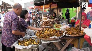 Melambungnya harga ayam potong yang mencapai RP 40.000/Kg membuat para pedagang di pasar Kota Salatiga mogok berjualan.