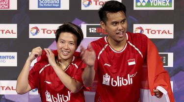 Tontowi Ahmad dan Liliyana Natsir berhasil meraih gelar juara setelah mengalahkan ganda China, Siwei Zheng/Qingchen Chen pada ajang  BWF World Championships 2017 di Emirates Arena, Glasgow (27/8/2017).  (Jane Barlow(/PA via AP)