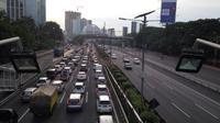 Suasana tol dalam kota ke arah Cawang. (Twitter @Jangkriikkk)