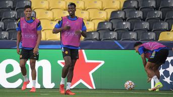 Raphael Varane Prediksi Masa Depan Paul Pogba di Manchester United