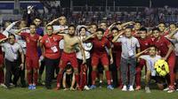 Timnas Indonesia U-22 merayakan keberhasilan ke final SEA Games 2019 setelah mengalahkan Myanmar 4-2 di semifinal di Stadion Rizal Memorial, Manila, Sabtu (7/12/2019). (Bola.com/ M. Iqbal Ichsan)