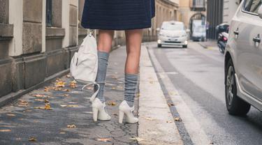 Lutut kaki cerah dan halus