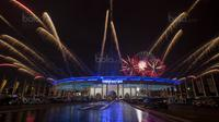 Suasana pesta kembang api saat pembukaan SEA Games di Stadion Bukit Jalil, Kuala Lumpur, Sabtu (19/8/2017). SEA Games 2017 Malaysia akan berlangsung hingga 31 Agustus. (Bola.com/Vitalis Yogi Trisna)