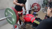 Atlet angkat berat NPC Indonesia, Ni Nengah Widiasih. (Bola.com/Ronald Seger Prabowo)