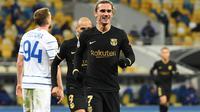 Pemain Barcelona, Antoine Griezmann usai cetak gol ke gawang Dynamo Kiev pada ajang Liga Champions 2020/2021. (Sergei SUPINSKY / AFP)