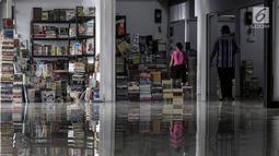 Suasana Pasar Buku Jakbook Kenari, Salemba, Jakarta, Selasa (30/7/2019). Para pedagang mengaku penjualan mereka sangat minim sejak lokasi itu diresmikan Gubernur Anies Baswedan pada 29 April 2019. (Liputan6.com/Johan Tallo)